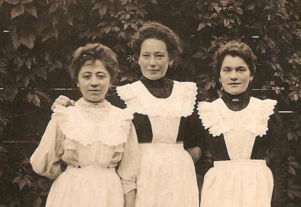 Realia służby nieraz skrajnie odbiegały od sytuacji opisywanej w poradnikach. Zdjęcie poglądowe (1908 r.).
