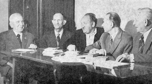 Wielu członków PZPR uważało, że Polacy lubią rządy silnej ręki. Zdjęcie poglądowe.