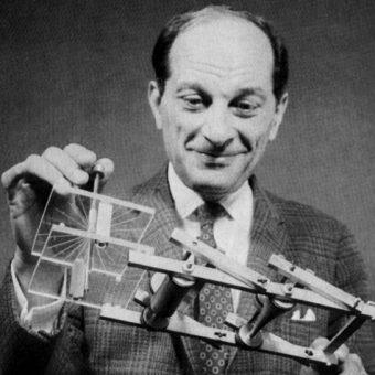 Jeden z założycieli lwowskiej szkoły matematycznej, Stanisław Ulam, został współtwórcą pierwszej bomby atomowej. Po wojnie kontynuował karierę za oceanem.