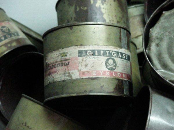 Niemcy testowali skuteczność Cyklonu B na sowieckich jeńcach w Auschwitz.