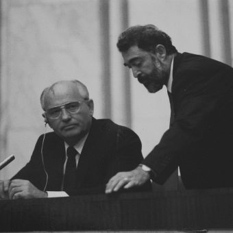 Czy rozpad ZSRR był wynikiem odgórnej rewolucji?
