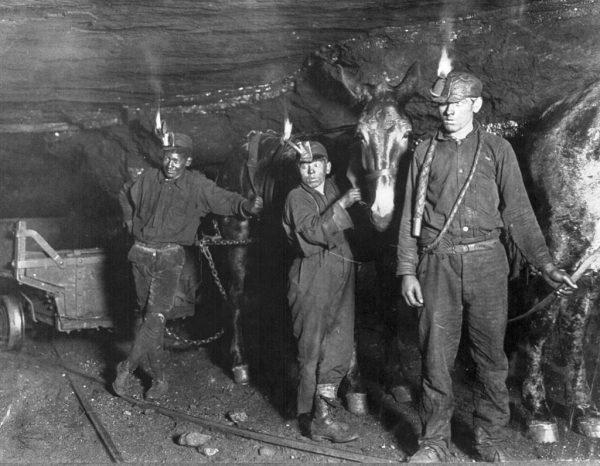 Dzieci szczególnie chętnie zatrudniano w kopalniach. Zdjęcie poglądowe.