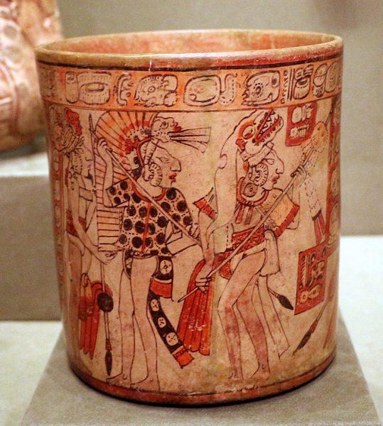 Czy przyczyną upadku Majów była wojna domowa? (na il. scena batalistyczna na ceramicznym naczyniu Majów).