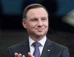 Medale wręczył prezydent Andrzej Duda.