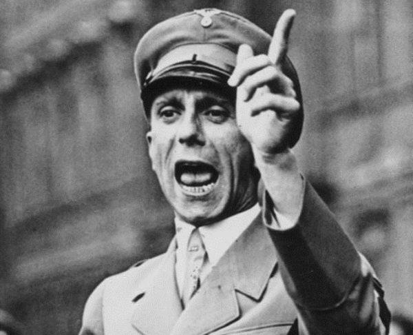 Według ministra propagandy katastrofa liniowca była doskonałym przykładem brytyjskiej chciwości, pychy i szaleństwa