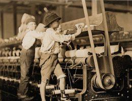 Dzieci wykonywały szereg zawodów, nieraz niebezpiecznych dla ich zdrowia i życia. Zdjęcie z 1909 roku, Stany Zjednoczone.