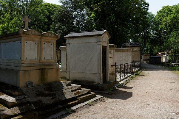 Serce Gudina spoczęło w kaplicy przy cmentarzu Cmentarz Père Lachaise.