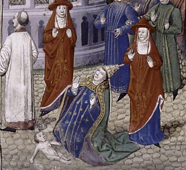 Zgodnie ze średniowiecznymi opowieściami kobieta miała również zasiadać na papieskim tronie. Płeć papieżycy Joanny wyszła na jaw, gdy niespodziewanie urodziła dziecko.