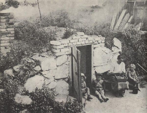 Wielu cywilów ginęło w czasie akcji pacyfikacyjnych, jak ta w Pogorzelcu.