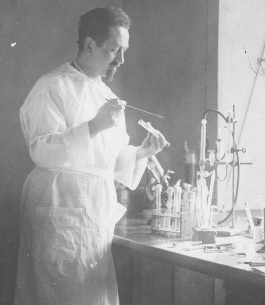 Weigl był pracoholikiem – spędzał w laboratorium każdą wolną chwilę.