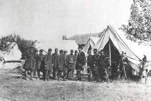 Abraham Lincoln wraz ze swymi generałami podczas wojny secesyjnej