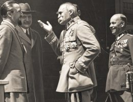 Józef Piłsudski planował bowiem utworzenie antyradzieckiego sojuszu, a nawet federacji Rzeczpospolitej z republikami Gruzji, Armenii i Azerbejdżanu.
