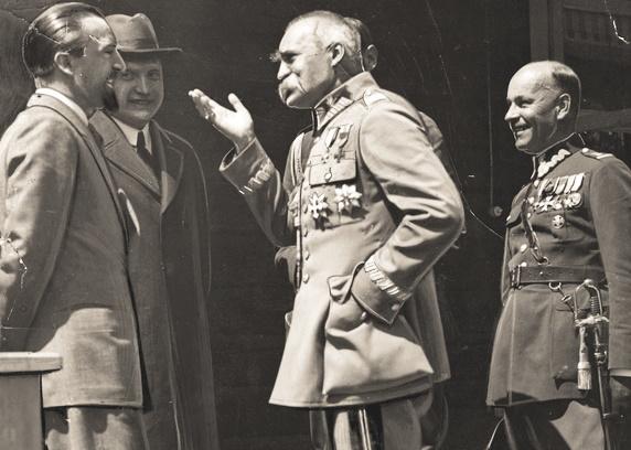 Józef Piłsudski jesienią 1930 roku brutalnie rozprawił się z opozycją.