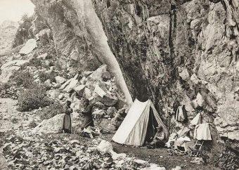 Obóz Brytyjczyków w górach Kaukazu.