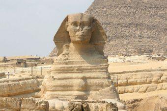 Jak sproszkowany nos Sfinksa pomógł dowieść... istnienia atomów?
