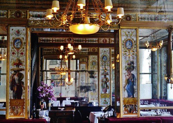 Pierwsze restauracje z prawdziwego zdarzenia na Starym Kontynencie powstały w Paryżu