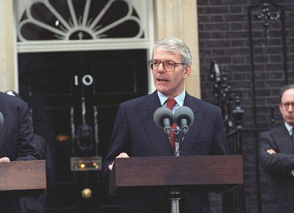 Na swojego następcę Thatcher wytypowała Johna Majora.