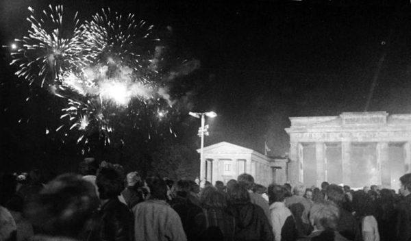 3 października 1990 roku – fajerwerki nad Bramą Brandenburską z okazji przywrócenia jedności Niemiec