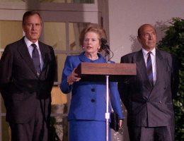 W 1990 roku Margaret Thatcher straciła władzę.