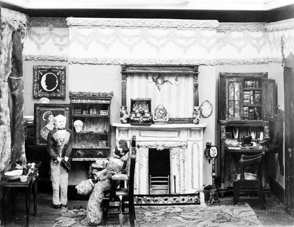 Model prezentujący XIX-wieczny gabinet dentystyczny