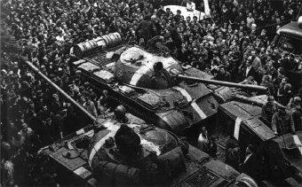 Jak niewiele brakowało, by w Polsce w grudniu 1980 roku powtórzył się scenariusz z Pragi sprzed 12 lat?