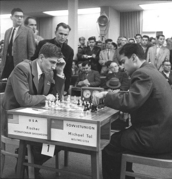 Bobby Fischer w pojedynku z Michaiłem Talem, olimpiada w Lipsku (1960)