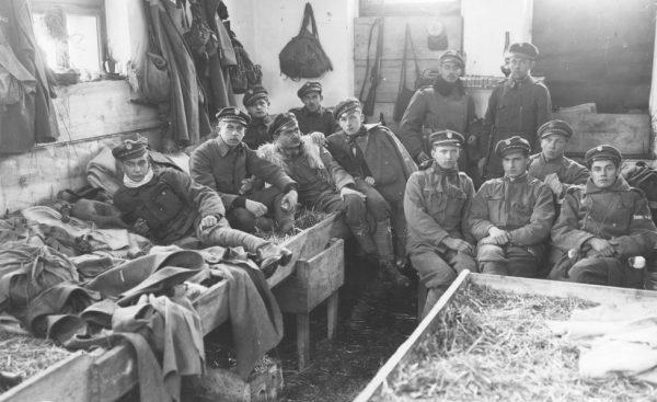 Armia preferowała kwaterowanie żołnierzy w wiejskich chatach.