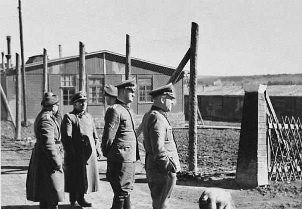W Buchenwaldzie już w dwóch pierwszych latach wojny wypróbowywano na dzieciach cygańskich działanie cyklonu B