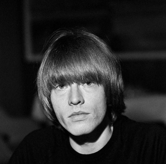 Brian Jones, założyciel zespołu The Rolling Stones, zginął w niewyjaśnionych okolicznościach