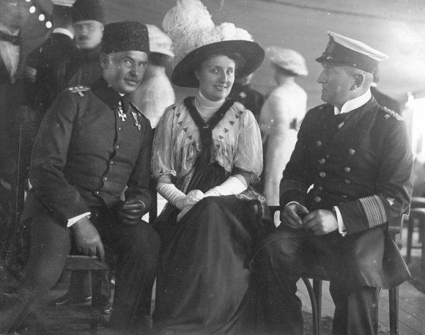 Wiceadmirał Souchon w towarzystwie Limana Paszy na pokładzie SMS Goeben