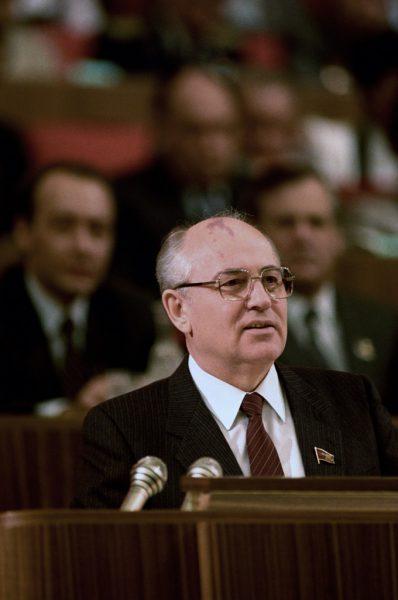 Czy istnieje związek między pobytem Philby'ego w Związku Radzieckim a przyjazdem Michaiła Gorbaczowa do Londynu w 1984 roku?