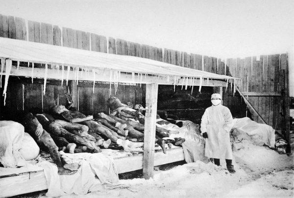 Podczas wojny z Chinami, a także w trakcie II wojny światowej japońska jednostka 731 wykazała się wyjątkowym bestialstwem, testując najróżniejsze patogeny na więźniach.