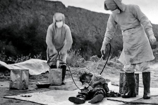 Upiorną postacią, która trafiła pod amerykańskie skrzydła, był niesławny dyrektor japońskiej Jednostki 731 – Shirō Ishii (na zdj. ofiara japońskich eksperymentów).
