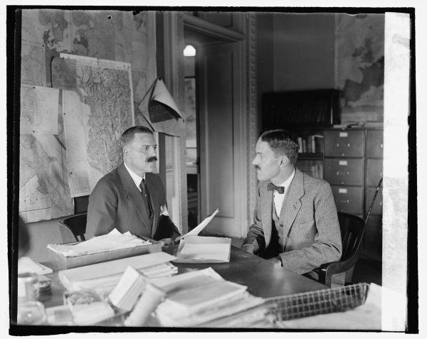 W międzyczasie zmieniło się również kierownictwo CIA. Allen Dulles został zwolniony w 1961 roku, a jego miejsce zajął Richard Helms.
