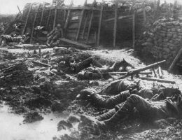 Zwłoki brytyjskich żołnierzy po niemieckim ataku gazowym