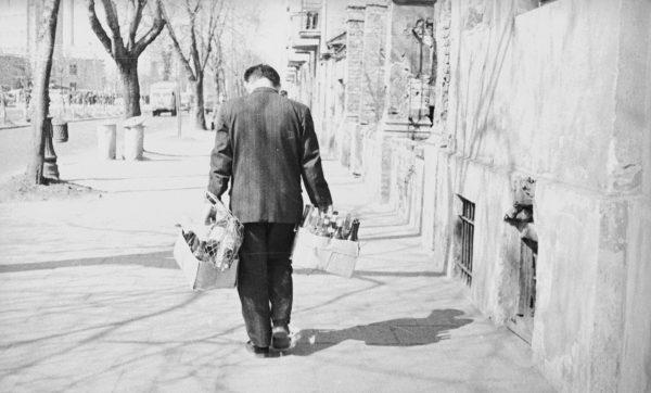 Nie było już wykupowania towarów przez polskich handlowców, a towarów w sklepie mimo to nie przybywało.