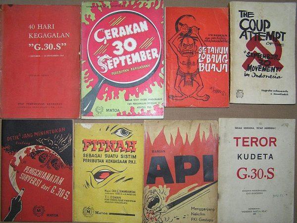 Antykomunistyczne plakaty propagandowe w Indonezji w 1965 roku.