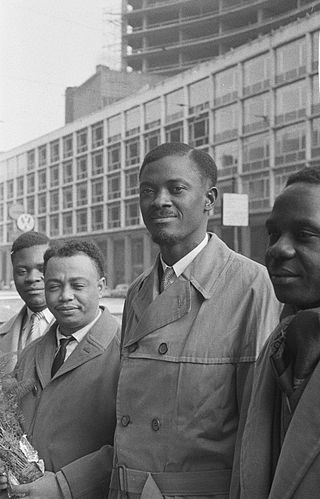 W 1958 roku pewien młody polityk, Patrice Lumumba, powołuje do życia kolejną kongijską partię polityczną – MNC (Movement National Congolais).