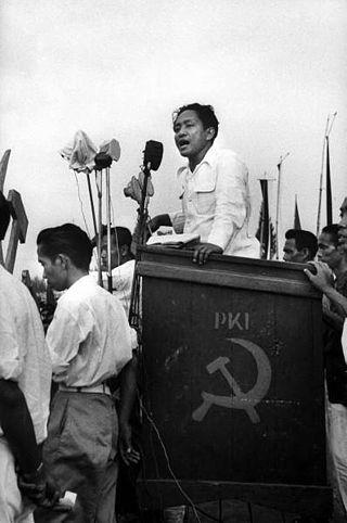 Wojsko w sposób świadomy napuszczało na siebie lokalne społeczności i sprawiało, że walka z komunistami była często formą rozliczenia międzysąsiedzkich konfliktów i sposobem załatwienia osobistych porachunków.