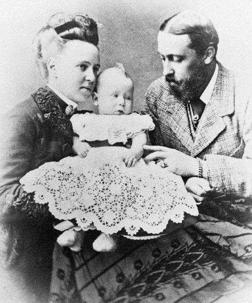Alfred był żonaty z Marią, córką Aleksandra II. Para miała pięcioro dzieci, w tym jednego syna – również Alfreda, który miał odziedziczyć koronę po ojcu.