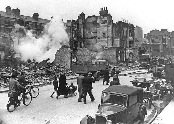 Doświadczenia wyniesione z tragicznych w skutkach nalotów sterowców oraz eskadr goth przydały się również po przeszło 20 latach, gdy kolejny Blitz uderzył w Albion.