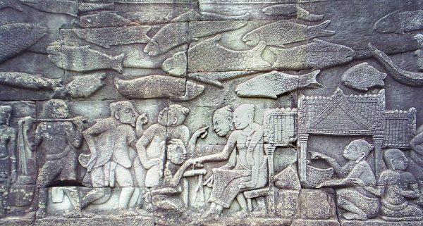 Płaskorzeźba przedstawiająca codzienne życie Khmerów. Autor: Markalexander100, CC BY-SA 3.0