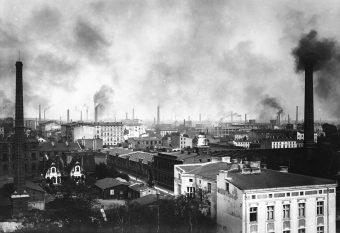 Największy wkład w rozwój lokalnego przemysłu włókienniczego i budowę infrastruktury Łodzi wnieśli Niemcy.