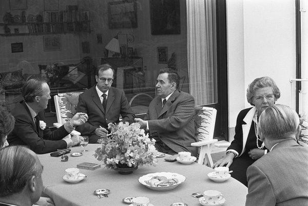 """Arnold, Lauren i dzieci mieli audiencję u Andrieja Gromyki, Przewodniczącego Prezydium Rady Najwyższej ZSRR. Dygnitarz powitał ich słowami: """"Jesteście wśród przyjaciół. Nie musicie się bać"""""""