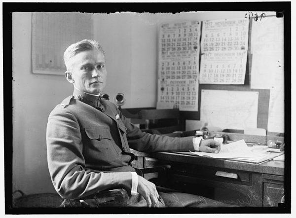 Jak to często bywa, zainteresowania chłopaka rozminęły się jednak z planami rodziców. Zafascynowany historią młody Bingham dostał się na Yale i zainteresował się dziejami Ameryki Południowej.