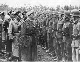 Niemcy proponowali Szendrukowi m.in. objęcie na wiosnę roku 1943 funkcji szefa sztabu 14 Dywizji Grenadierów SS (na zdj.), odmówił.