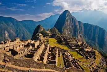 """Machu Picchu (w języku keczua """"stary szczyt"""") to bez wątpienia najbardziej znana atrakcja turystyczna związana z cywilizacją Inków."""