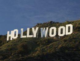 Kalifornijskie wzgórza bez białego napisu? Trudno to sobie wyobrazić – widać go przecież nawet na zdjęciach satelitarnych.